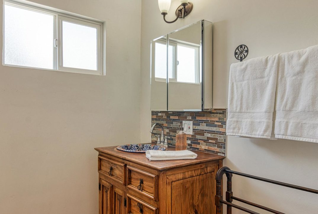 Harmonic House rental master bath