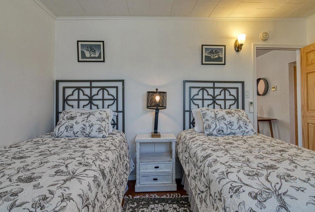 Harmonic House rental bedroom