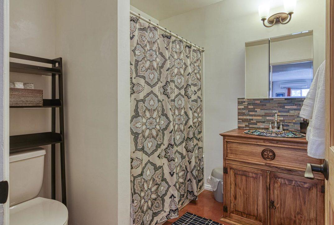 Harmonic House rental bathroom