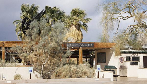Oasis Visitors' Center JTNP